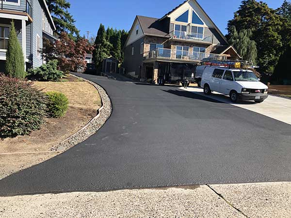asphalt-driveway-by-agrade-sealcoating-vancouver-wa