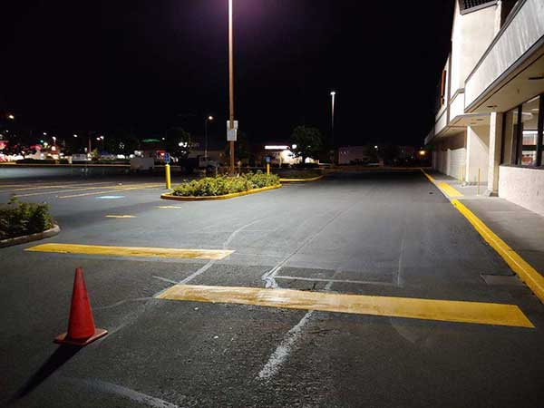 big-lots-parking-lot-striping-by-a-grade-seal-coating