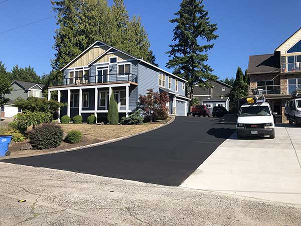 driveway-home-paving-by-agrade-sealcoating-in-portland